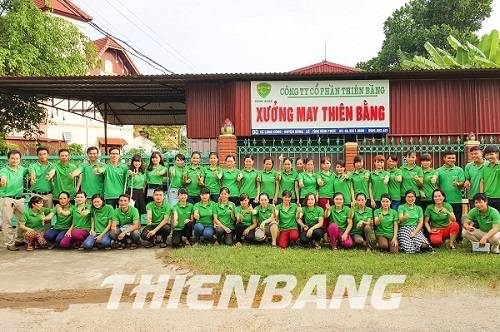 Tập thể xưởng may bảo hộ Thiên Bằng