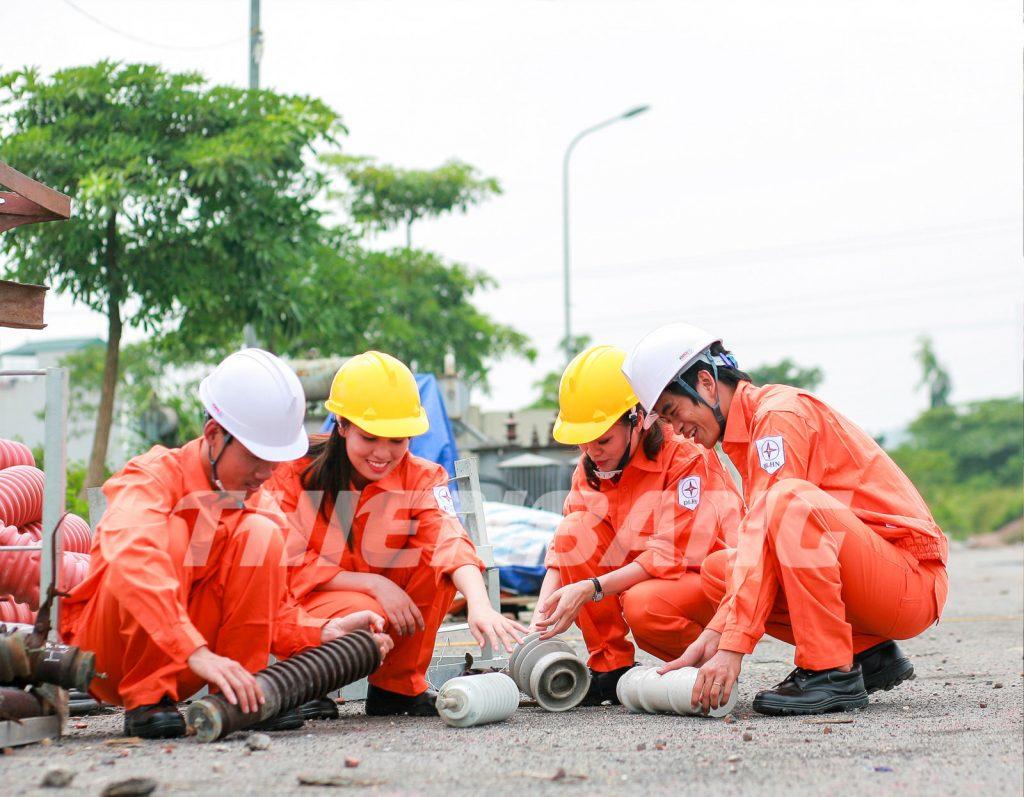 quần áo công nhân thợ điện
