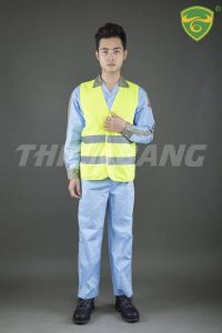Quần áo bảo hộ theo mẫu 1